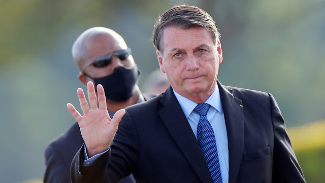 Bolsonaro considera la opción de abandonar la OMS una vez que pase la epidemia
