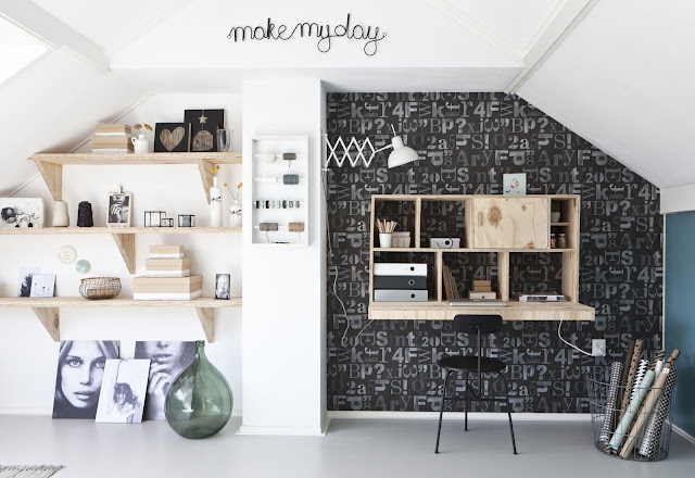 Despacho moderno y bonito en la buhardilla