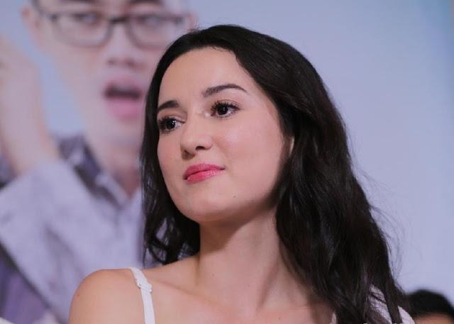 Awet Muda, Julie Estelle Berusaha Tampil Senatural Mungkin
