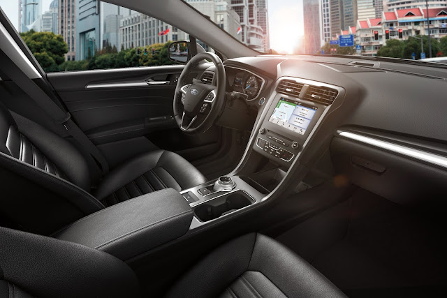 Interior view of 2019 Ford Fusion Energi