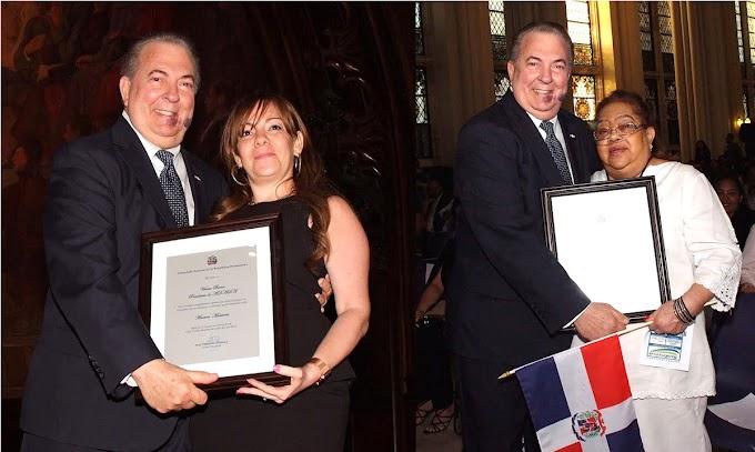 Selman reconoce padres dominicanos por dedicación a educar  sus hijos y valora esfuerzos