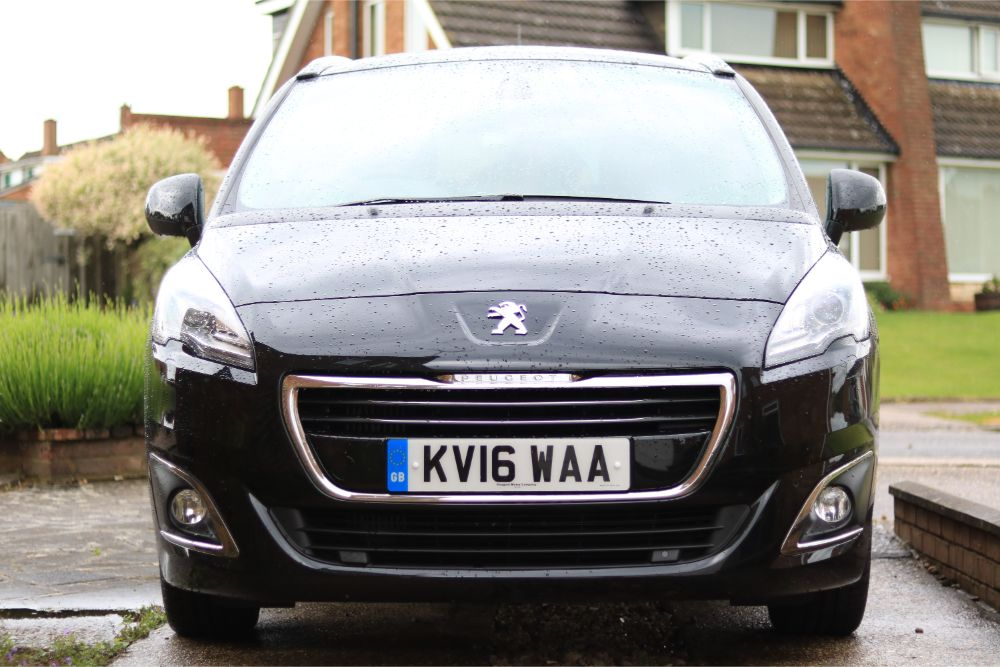 review peugeot 5008 7 seater compact mpv quite frankly she said. Black Bedroom Furniture Sets. Home Design Ideas