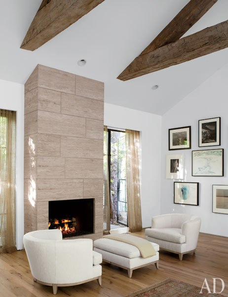 Jenni Kayne fireplace in California  via belle vivir