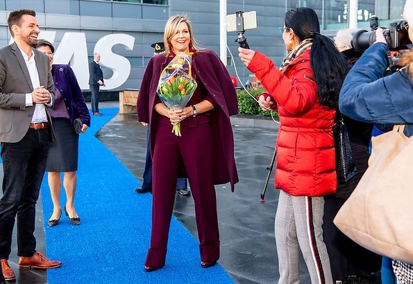 Queen Maxima wore Natan outfit, Natan Coat, Natan top and natan trousers. AFAS Software is the winner of King Willem I Award