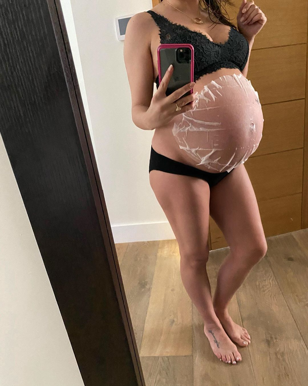 Pregnant Jenna Dewan Shows Off Her Bare Baby Bump in a Sheet Mask