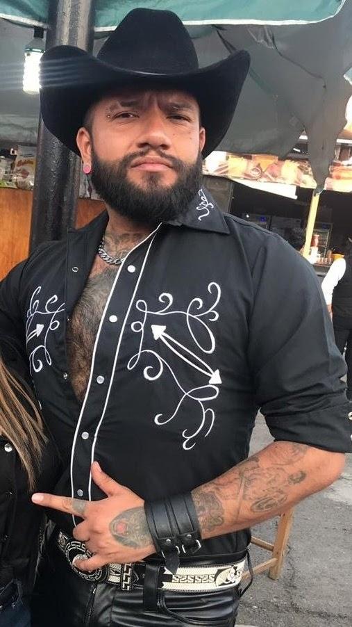 macho guapo y peludo