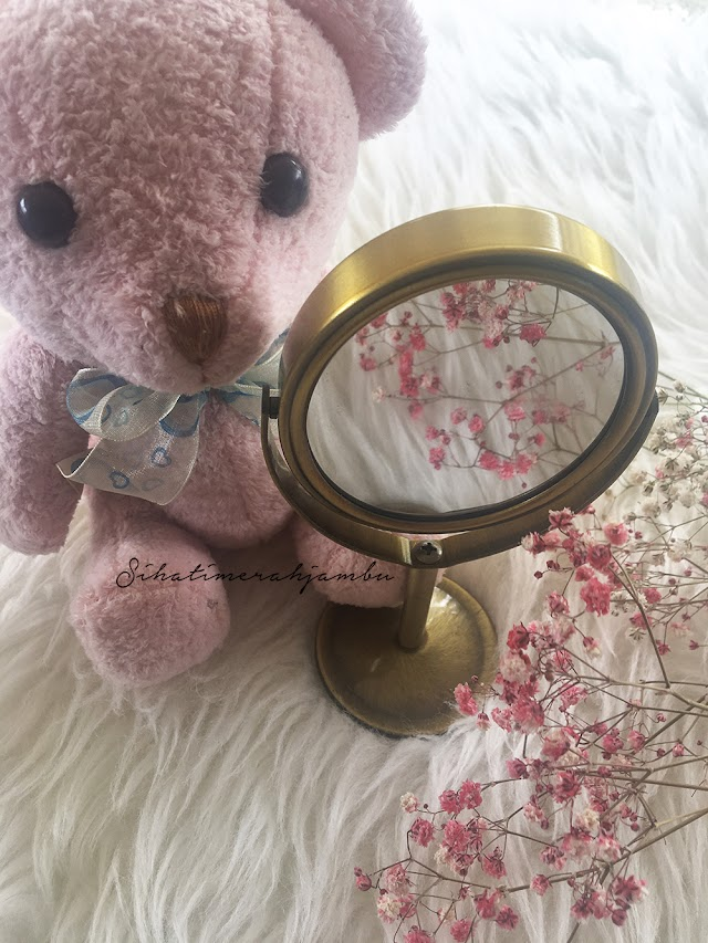 Mini Oval Table Top Two-Sided Swivel Vanity Makeup Mirror With 2x Magnification