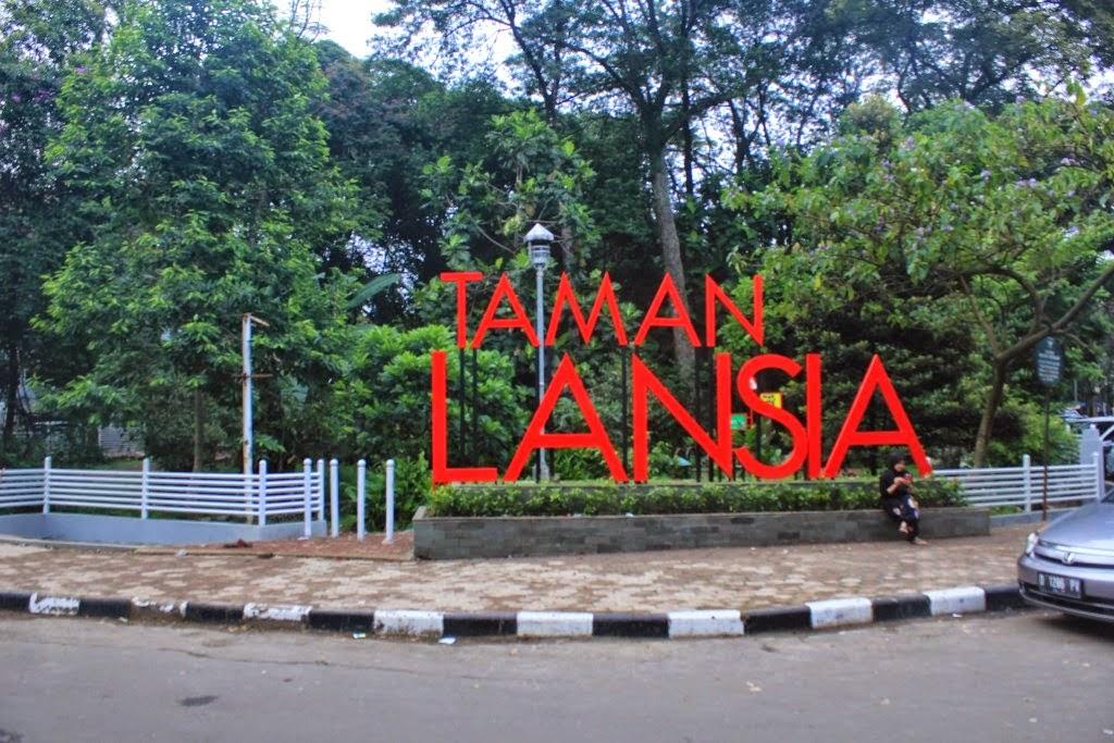 Taman Lansia Jalan Cisangkuy Bandung (dekat Gedung Sate) Tempat wisata olahraga