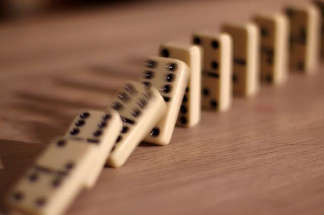 تعليم جدول الضرب للأطفال عن طريق لعبة دومينو جاهزة!