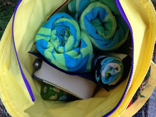 two pretty poppets Summer Lovin Beach Tote - internal bag