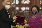 Megawati Soekarno Putri Dianugerahi Rusia Bintang Jasa Persahabatan