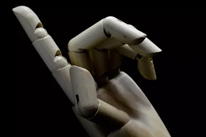 AI dan singularity dan upaya manusia menggapai keabadian