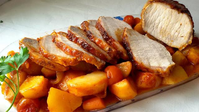http://www.annarecetasfaciles.com/2016/03/lomo-al-horno-con-ketchup-y-verduras.html