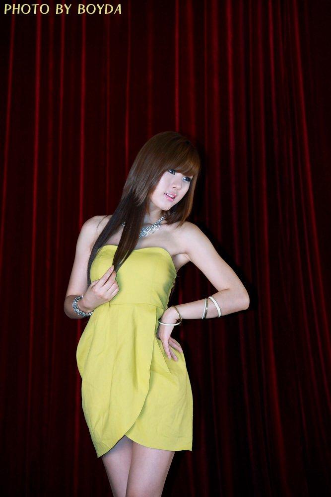 hwang mi hee sexy yellow dress 03