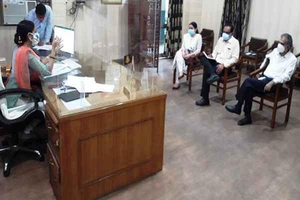 ias-aprajita-meeting-with-health-officers-to-control-covid