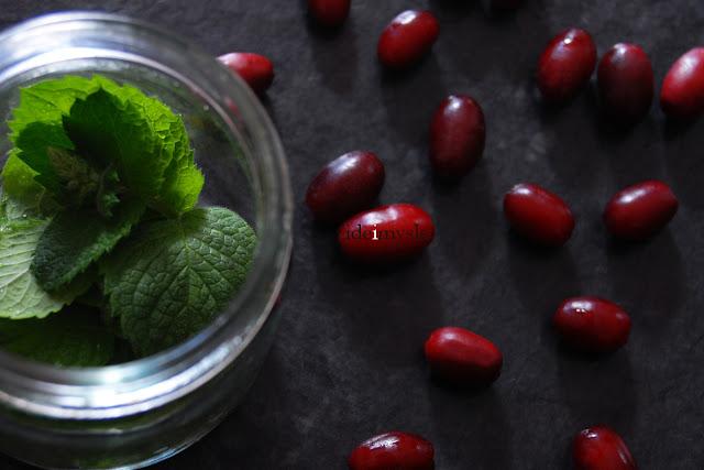 dereń jadalny przepis, owocowa marynata, wiśnie w occie, cornelian cherry recipe, kuchnia irańska, pikle z owocow