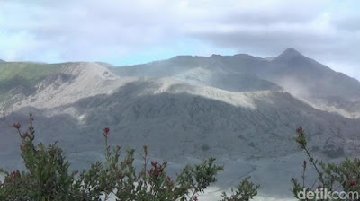 Kabar Berita Terbaru Hari Ini Gunung Bromo Berstatus Waspada, Potensi 'Batuk-batuk' Selalu Ada