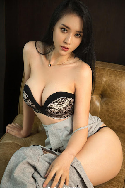 Hot and sexy big boobs photos of beautiful busty asian hottie chick Chinese booty model Ni Jia Han photo highlights on Pinays Finest Sexy Nude Photo Collection site.