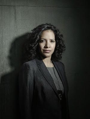 Zabryna Guevara es Captain Sarah Essen