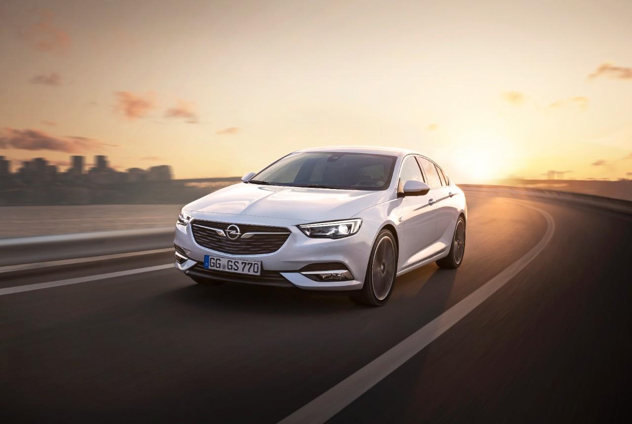 Νέο Opel Insignia Grand Sport...'Grand' σχεδίαση: Ελκυστικό σχήμα με κορυφαία αεροδυναμική και στυλ μεγάλου coupé