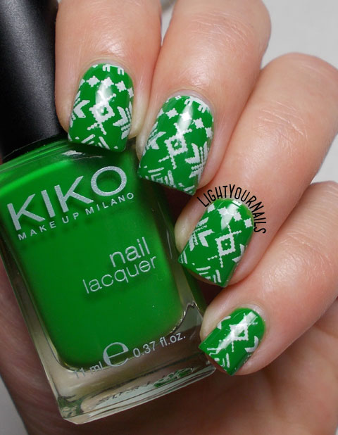 Green Christmas ugly sweater stamping nail art