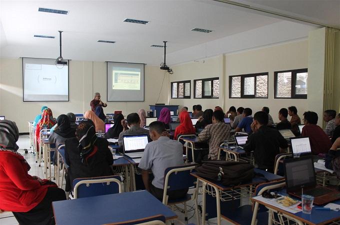 Universitas Swasta Terbaik untuk Jurusan Komputer di Bandung