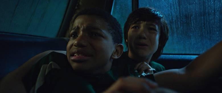 Shudder показал трейлер фильма ужасов «Мальчик за дверью» от авторов «Джинна»