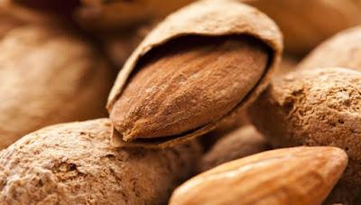 Τα αμύγδαλα μειώνουν καρδιακά και χοληστερίνη
