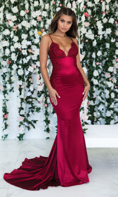 https://www.suzhoudress.co.uk/wine-red-summer-sleeveless-trumpet-trendy-backless-prom-dresses-cheap-spaghetti-straps-lace-appliques-evening-gowns-g23864?cate_1=27