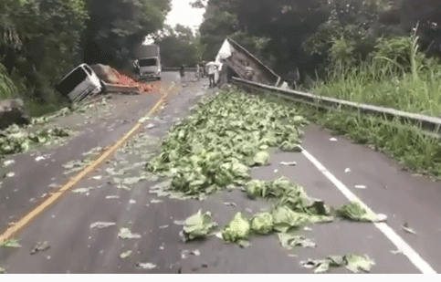 Mira el video-Accidente múltiple en la carretera de Constanza