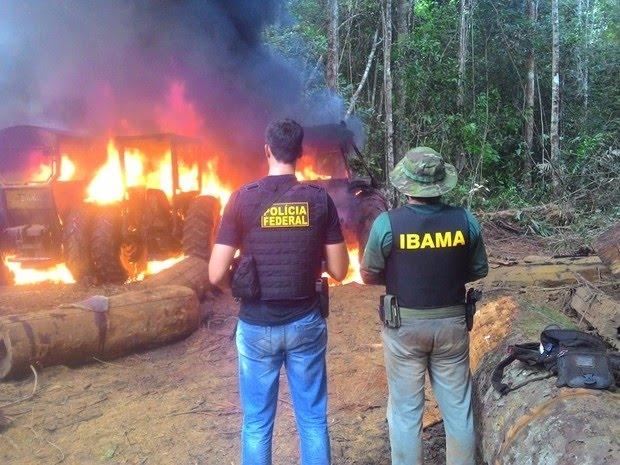 """Em [vídeo] Bolsonaro desautoriza operação do Ibama em Rondônia, """"não é pra queimar nada, maquinário, trator, seja o que for"""""""