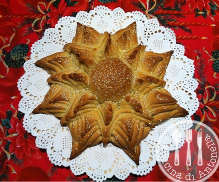 Pane A Forma Di Stella Di Natale.La Cucina Di Antonella Stella Di Natale Di Pane
