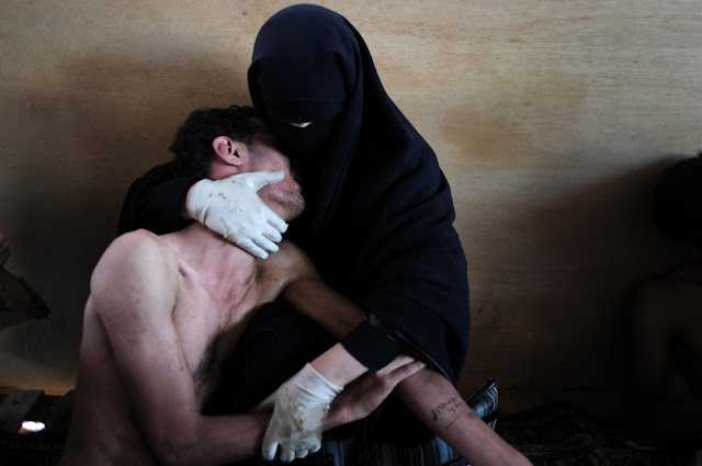 La fotografia di Samuel Aranda vincitrice del World Press Photo of the Year 2011