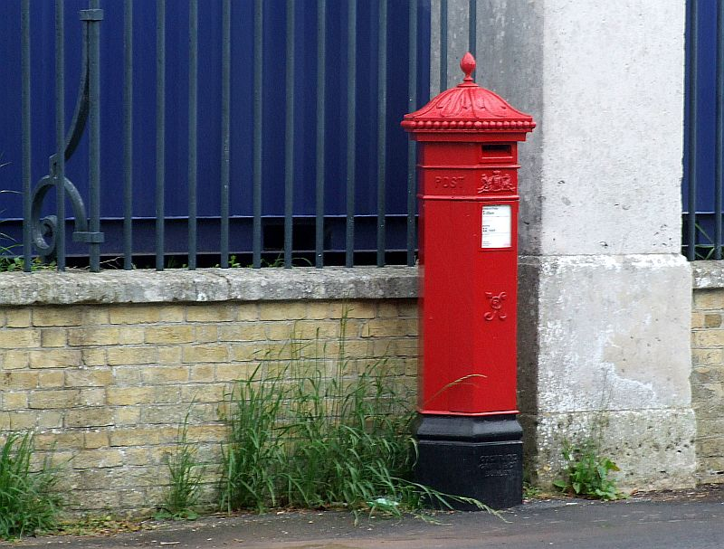 Pilbeam Post Box Gosport Station