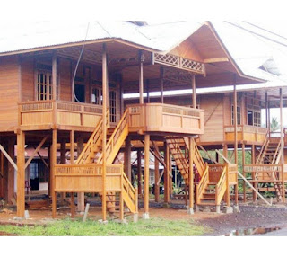 Wisata Ke Tomohon Intip Uniknya Rumah Panggung Woloan