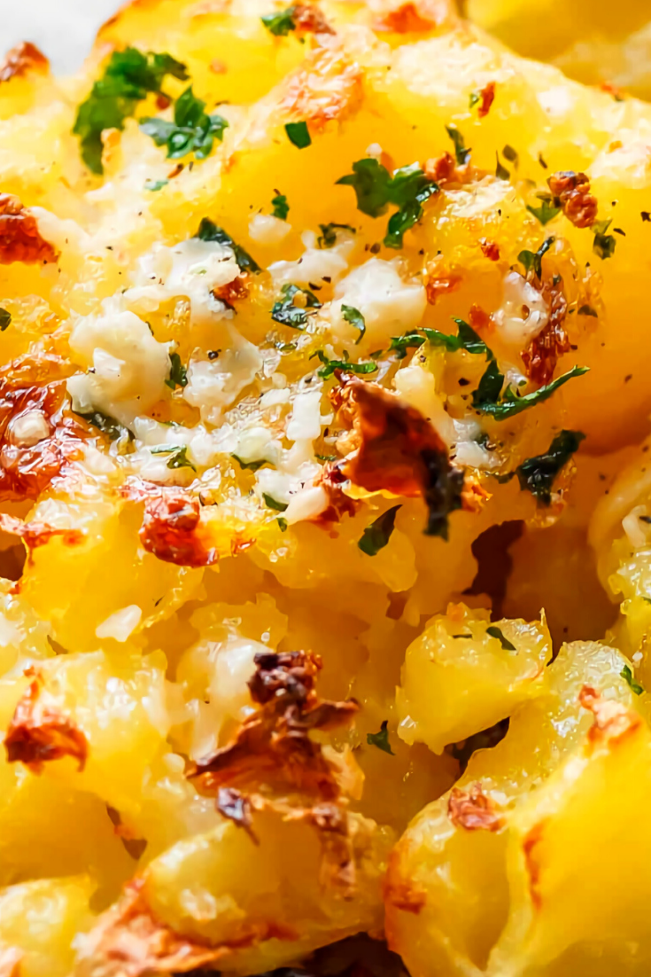 Crispy Garlic Butter Parmesan Smashed Potatoes Recipe