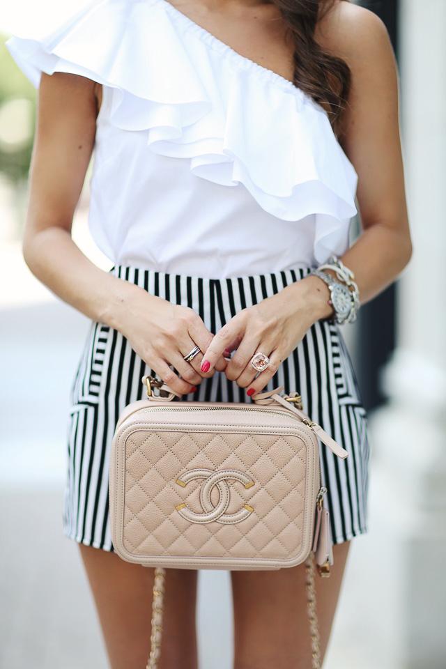 Chanel vanity case in beige