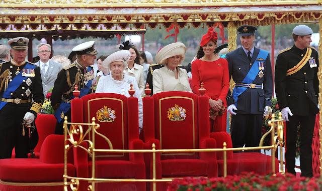 O novo velho continente e suas contradições: As monarquias - glamour e decadência