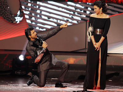 Shahrukh Khan and Parineeti Chopra at International Indian Film Academy Awards