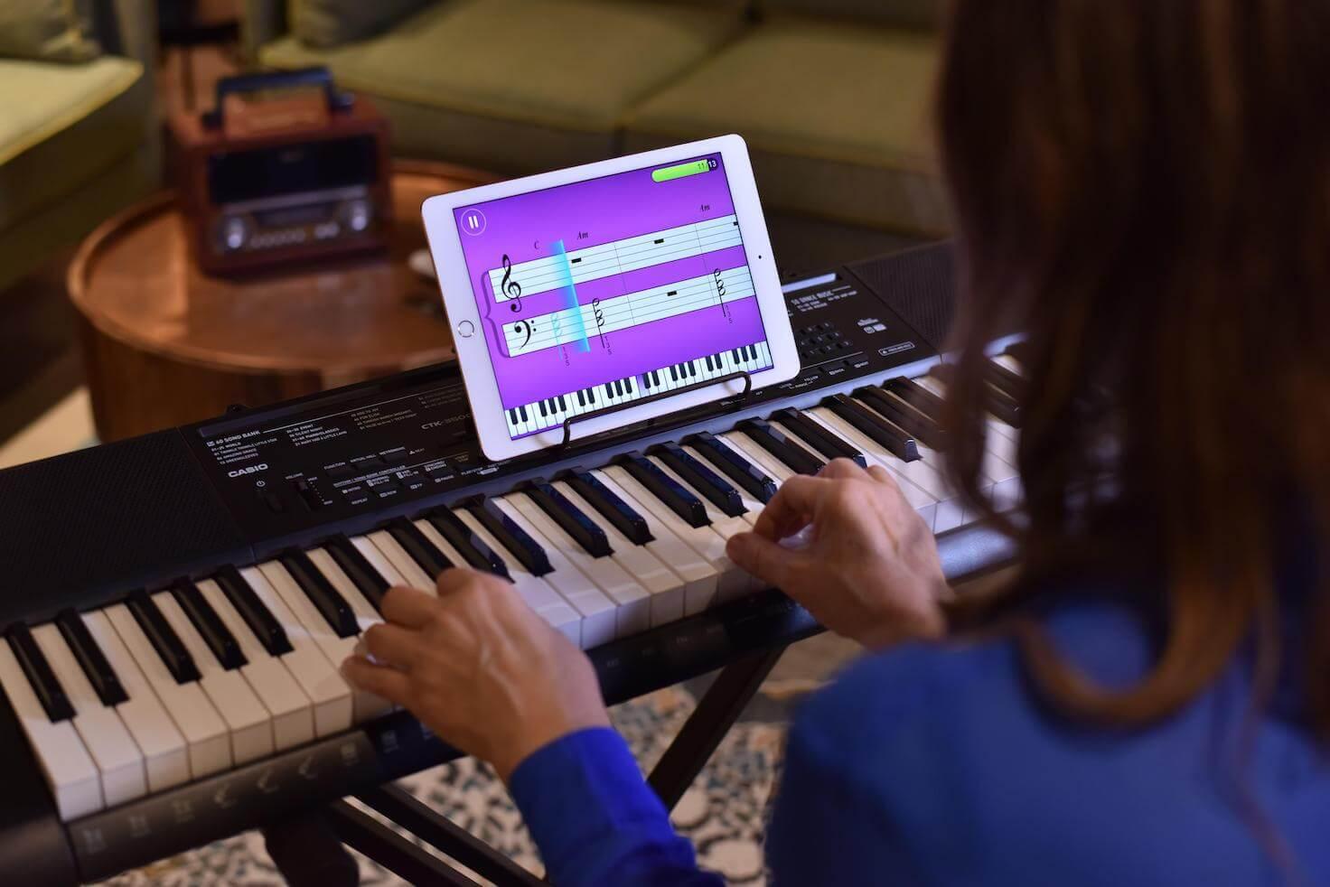 مدرس البيانو الخاص بك ببساطة البيانو بواسطة JoyTunes