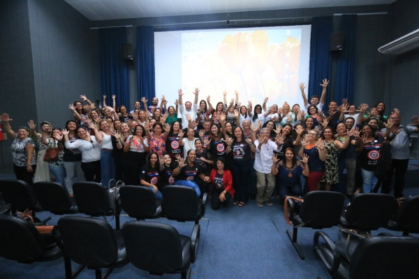 Governo de Alagoas paga bônus do Ideb aos servidores da Educação nesta sexta-feira (3)