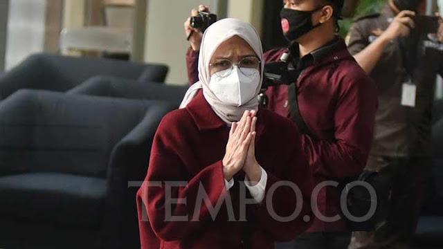 Bupati Probolinggo, Puput Tantriana Sari Jadi Tersangka Dugaan Seleksi Jabatan Kades.lelemuku.com.jpg