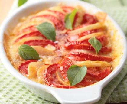 Potato gratin with tomatoes
