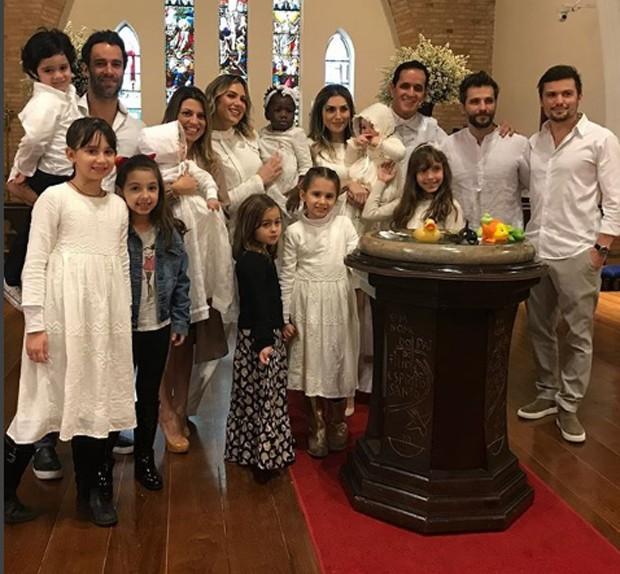 batizado de Titi filha de Giovanna Ewbank e Bruno Gagliasso
