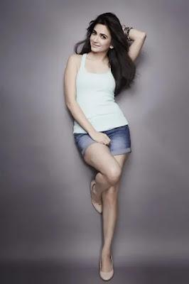 kriti Kharbanda Height and Weight and Body Measurements