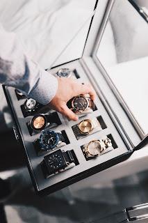 Pria butuh mempertimbangkan pilihan jam mahal dan keren
