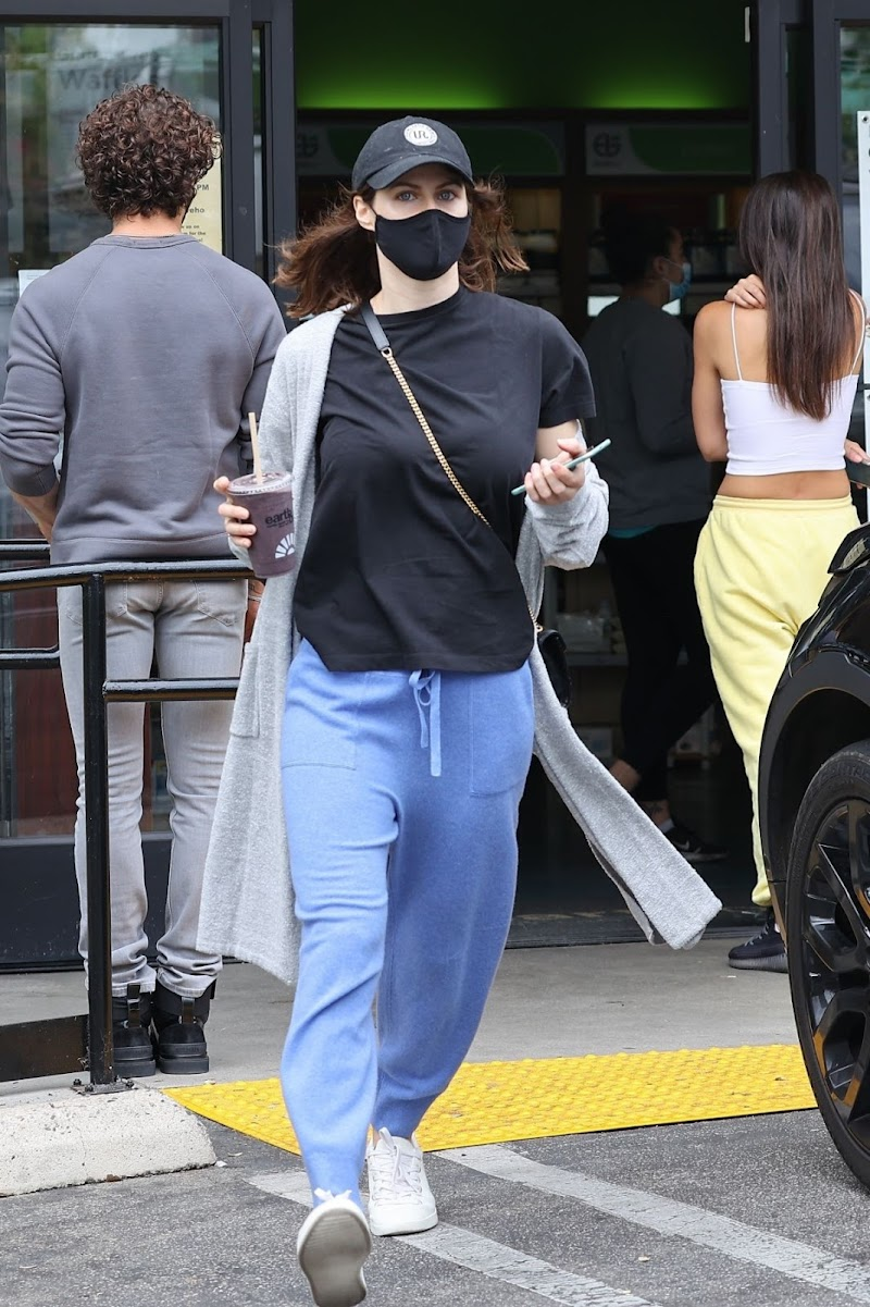 Alexandra Daddario Out for Coffee in Los Angeles 12 Apr