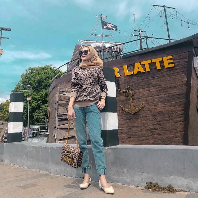 Lokasi Cafe Kapal Bandar Latte