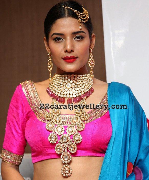 Behura Deepali Kundan Jewellery