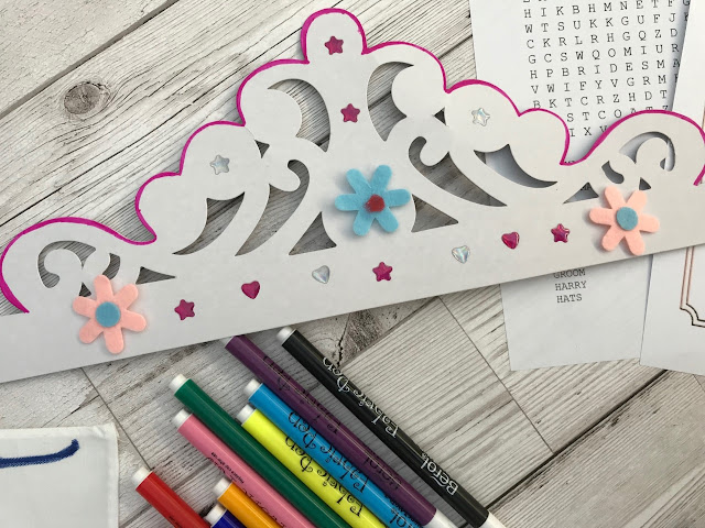 Card crown decorated